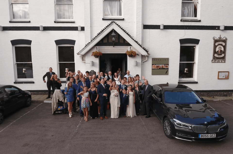 wedding-party-putside-thomas-paine-hotel